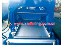 Details for shelving panel machine