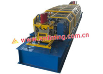 Auto size-changing purlin machine for variable web